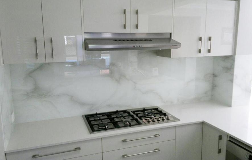 kuhinje-staklene-577