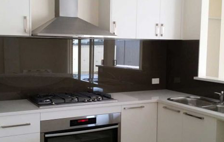 kuhinje-staklene-888